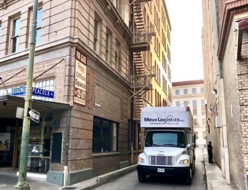 🚛 Servicing downtown San Antonio one move at a time!